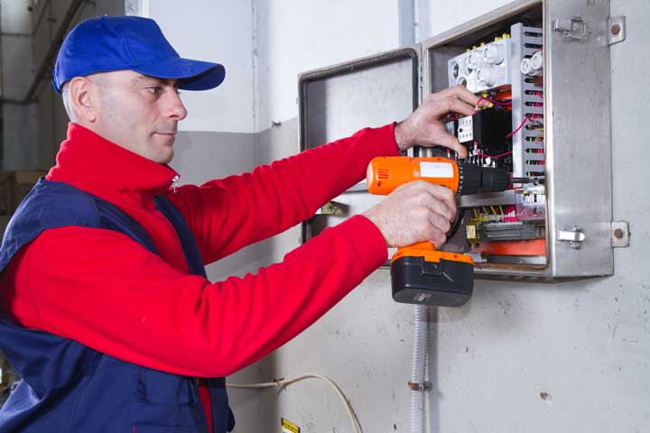 Serving areas of the electrical contractors in Morristown, TN